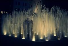 Erfrischung (Steffi-Helene) Tags: nürnberg brunnen deutschland bavaria cities wasser aqua nachtaufnahmen franken fountain kunst