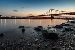 Uerdinger Rheinbrücke zur blauen Stunde (Re Ca) Tags: krefeld rhein rheinbrücke nrw blauestunde bluehour sunset sonnenuntergang bridge brücke water longexposure langzeitbelichtung eos70d canon sigma1020mm