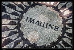 Imagine (meggiecaminos) Tags: usa eeuu estadosunidos unitedstates nuevayork newyork centralpark park parco parque imagine jonhlennon mosaico mosaic blanco negro upperwestside manhattan
