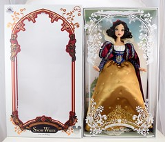 2017 D23 Snow White Limited Edition 17 Inch Doll - Disney Store Purchase - Deboxing - Next to Front Cover - Full Front View (drj1828) Tags: d23 2017 expo purchases merchandise limitededition artofsnowwhite snowwhiteandthesevendwarfs snowwhite princess deboxing le1023