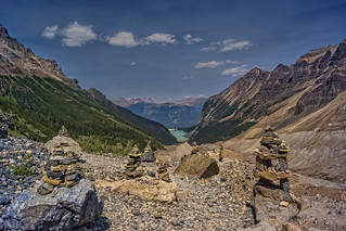 Plain of Six Glaciers Tea House WALK