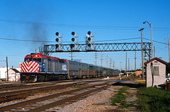 Shoving F40C (Erie Limited) Tags: metra emd f40c metx602 franklinparkil elginsubdivision train railfan railroad