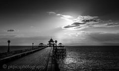 Clevedon Pier B&W (PKpics1) Tags: clevedon clevedonpier pier seascape sea cloud sunset bw black white