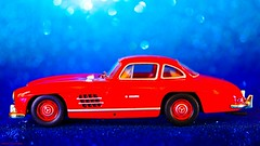 Blue and red (YᗩSᗰIᘉᗴ HᗴᘉS +8 000 000 thx❀) Tags: blueandred crazytuesdaytheme 7dwf mercedes toy auto automobile miniature hensyasmine