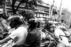 Grooming (Daniel Y. Go) Tags: sony sonyrx100m4 rx100m4 motorcycle mono bw kalye street groomng