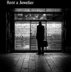 Rent your life! (ThorstenKoch) Tags: streetphotography street strasse schatten stadt silhouette shadow night licht lights lines linien light juwelier clocks city candit