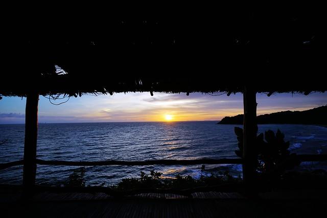 【亞洲,泰國】蘭塔島Koh Lanta夕陽美食;Phra Nang Lanta海灣餐廳。