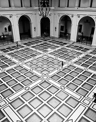 Brooklyn Museum (Alexander H.M. Cascone [insta @cascones]) Tags: nyc new york city brooklyn museum architecture design squares grand hall people scale small big grid black white bw blackandwhite