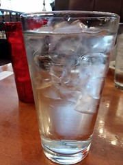 Ice Water. (dccradio) Tags: lumberton nc northcarolina robesoncounty samsung galaxy cellphonepicture bravopleasantpizza restaurant lunch supper dinner meal eat eatout indoors inside beverage water icewater icecubes glass drink tabletop