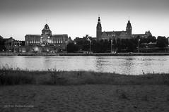 widok z plaży miejskiej.jpg (MichalKondrat) Tags: polska szczecin długaekspozycja jachty zachodniopomorskie bulwary rzeka noc wałychrobrego wieczór przystań odra dźwigozaury