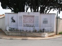 85-Saint Hilaire le Vouhis (jefrpy) Tags: poitou 85vendee guerrede1418 psaget warmemorial ww1 france monumentauxmorts