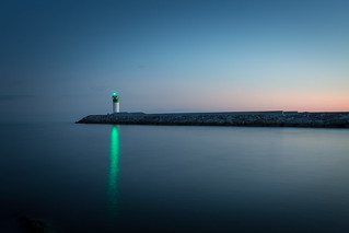 single green light