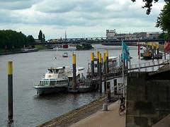 Bremen Schlachte (robárt shake) Tags: bremen weser schlachte outdoor panorama weitsicht wolken himmel schiffe boats bridge brücke flusslauf summer sommer