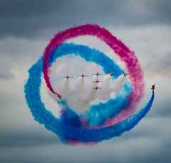 Tornado - RAF Red Arrows (Aleem Yousaf) Tags: raf royalairforce redarrows aerobaticteam baesystems hawkt1 royal international air tattoo plane spotting airshow fairford swindon military riat2017 gloucestershire aviation photography nikon d800 300mm prime jet airplane aircraft tornado smoke red white blue spiral