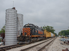 WE 4003 leading WE Local Spencer, OH (Chicago Line Railfan) Tags: wle 4003 we local spencer oh ohio wheeling lake erie brewster sub grain elevator sd402
