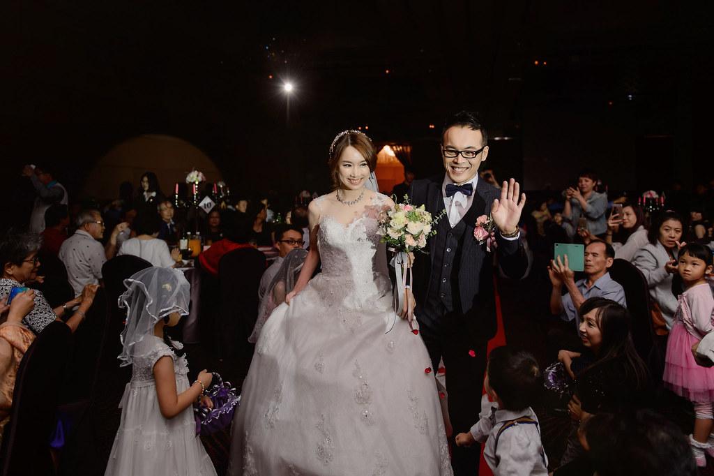 守恆婚攝, 高雄巨蛋, 高雄巨蛋婚宴, 高雄巨蛋婚攝, 高雄漢來婚宴, 高雄漢來婚攝, 婚禮攝影, 婚攝, 婚攝小寶團隊, 婚攝推薦-25