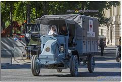 12 (duport.patrick) Tags: 14 juillet july bastilleday france paris fete ceremony ceremonie soldat soldier combattant bataillon regiment memoire memory