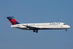 Delta Air Lines Boeing 717-200 N952AT (jbp274) Tags: sna ksna johnwayneairport airport airplanes delta dl boeing 717