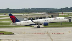 Delta Air Lines Boeing 757-26D(WL) N820DX (MIDEXJET (Thank you for over 1 million views!)) Tags: milwaukee milwaukeewisconsin generalmitchellinternationalairport milwaukeemitchellinternationalairport kmke mke gmia deltaairlinesboeing75726dwln820dx deltaairlines boeing75726d n820dx boeing boeing757 boeing757200 757 757200 75726d