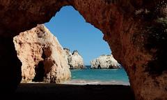 Secret beach (Behappyaveiro) Tags: algarve prainhabeach alvor portugal beach oceanoatlântico ocean atlanticocean summer europa europe secretbeach