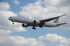 Boeing 777-300 (ER) | F-GZNO | Air France | CYYZ/YYZ (railroadcndr) Tags: airplane airport boeing 777 777300 777300er airfrance fgzno toronto ontario canada torontopearson pearson cyyz yyz