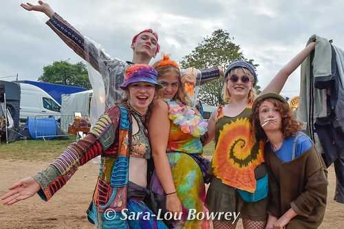crowds for Chainska Brassika at Nozstock 2017