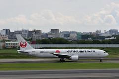 UP3A4710 (ken1_japan) Tags: 大阪国際空港 伊丹空港 itm 伊丹スカイパーク スカイランドハラダ japan osaka airplane ana jal canon 7dmkⅱ ef70200mm f28lisiiusm