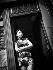 #wordless (Erwin Vindl) Tags: streetphotography streettogs candid blackandwhite monochrome chinatown erwinvindl olympusomd em10markii
