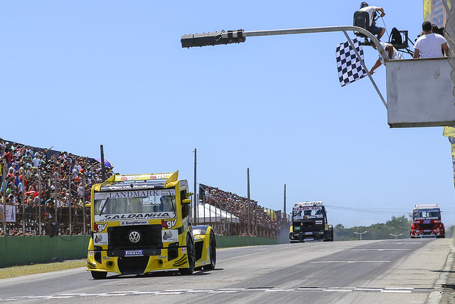 Chegada Corrida 1 - Vencedor Felipe Giaffone