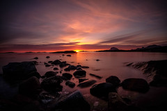 Midnight sun kissing the horizon (mrjensgreen) Tags: midnightsun norway melöya night water midnattssol norge horisont horizon vatten hav sea seascapes polcirkeln melöy solnedgång sunset meløya beach stones
