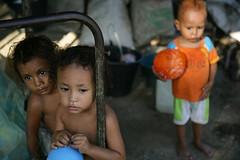 IDPs in Dili 3 june 2007.JPG-44 (undptimorleste) Tags: dildistrict idps internallydisplacedpeople child children metinaro