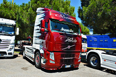 *NEW* Volvo FH3 Samuel (Samuele Trevisanello) Tags: volvo fh3 samuel white red airbursh awesome unique truck truckmeeting meet meeting team xx secolo seriate bergamo 20° iveco scania fh r streamline trucks transport transports truckfoto truckspotting passion nikon d3200 veicolo