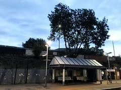 Kew Bridge Railway Station (dksesh) Tags: seshadri dhanakoti harita appleiphone7 appleiphone iphone7 kewbridgestation stationplatform sesh seshfamily haritasya hevilambisamvatsara apple iphone london kewbridge platform