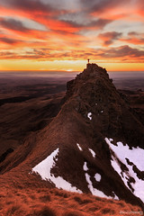 El Cristo Redentor auvergnat - Auvergne - France (chassamax) Tags: 2x3 auvergne boyer canon6d chaud color coucherdesoleil couleur europe formatportrait france hiver jaune landscape maxence maxenceboyer maxenceboyerphoto montagne mountain natur nature orange paysage puydedome puydedôme red rouge sancy sun sunset warm winter wwwmaxenceboyerphotocom yellow