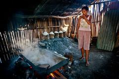 Salt making in Ulmera - 17-09-09-11 (undptimorleste) Tags: timorleste hard labor pans salt seaseaslat ulmera woman women work