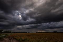 Dark Clouds (betadecay2000) Tags: darkclouds clouds wolke wolken cloud weer wetter weather meteo dark gewitter storm regen rain dülmen münsterland duelmen wiese wiesen germany german schauier schauer deutschland deutsch