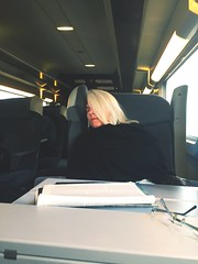 Fast asleep (nic0v0dka) Tags: dormiendo endormie sleeping asleep tgv train mujer woman femme blonde
