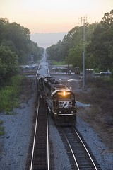 Southbound 60's (Colin Dell) Tags: 62m rock train sd60 freight ns6635 standard cab emd
