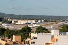 PMI GA-Apron overview. (Fabke's Aviation Photography) Tags: hotel skybar alma beach hmhotels apron pmi mallorca 2017 airbus boeing generalaviation ga bizjet tui lufhansa ryanair vueling runway sunexpress