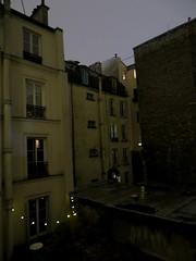 Cour intérieure - Courtyard, Paris (blafond) Tags: cour courinterieure courtyard nuit night cityatnight la ville sombre dark