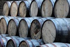 Empty Whisky Barrels (just.Luc) Tags: grootbrittanië grandebretagne greatbritain royaumeuni verenigdkoninkrijk unitedkingdom scotland schotland ecosse europa europe doune distillery distileerderij distillerie barrels tonnen tonneaux wood hout holz cirkels cercles circles
