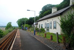 Lelant station looking East (zawtowers) Tags: cornwall kernow summer holiday break vacation july 2017 carbisbay porth reb tor lelant lannanta south west coast path walk late afternoon rainy wednesday 19th railway train station request stop must put hand out looking east