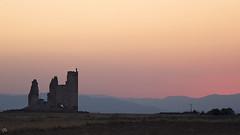 Castillo de Caudilla (:) vicky) Tags: comunidadautónomadecastillalamancha españa castillalamancha castillo castillodecaudilla atardecer vickyepla visionario olympus scenery night sunset sun