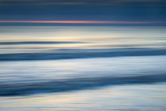 Seascape abstract at dawn (Keartona) Tags: filey bay beach coast sea northsea abstract simple icm waves water dawn morning colours horizon england northyorkshire