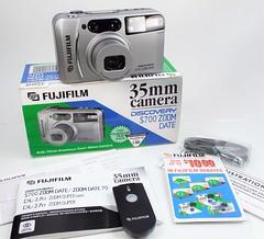Fujifilm Discovery S700... 1998 - (in explore) (www.yashicasailorboy.com) Tags: fujifilm discoverys700 zoomdate ps 35mm 1990s japan fujiphoto finepix analog film