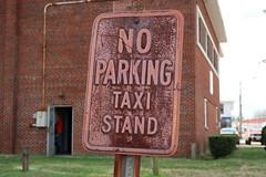 Taxi Stand (jschumacher) Tags: virginia bowlinggreen bowlinggreenvirginia sign noparking rusty