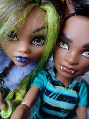 Sister & Brother - Clawdeen & Clawd (You_Are_Not_Alone) Tags: monsterhigh polishdolls monstergirls monsterboys girl girls man boys boy manster family sister brother dolls photobymysister mansters friend friends bff bestfriends bestfriendsforever clawdwolf clawdeenwolf killerstyle packoftrouble wolf wolfs werewolf werewolfs siblings