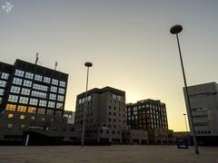 Vetro e cemento. Milano (diegoavanzi) Tags: milano milan italia italy lombardia lombardy architettura architecture moderna modern alba dawn bicocca sony hx300 bridge