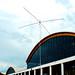 Messehalle mit Spiderbeam-Antenne