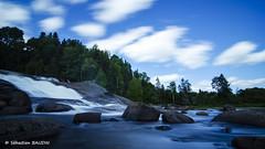 Chute au fil du temps (Seb BAUDIN) Tags: chute pose longue filtre lee nd1000 tokina 1224mm d7000 canada québec ciel bleu rochers big stopper